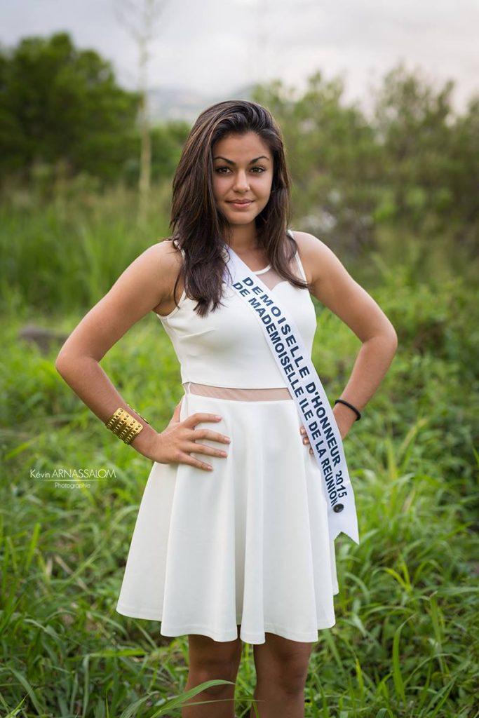 Léna HOARAU en robe blanche - Demoiselle d'honneur Mademoiselle de la Réunion 2015 -