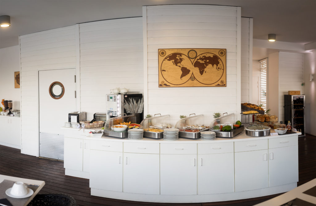 Buffet de petit-déjeuner dans un hôtel de l'ile de la Réunion