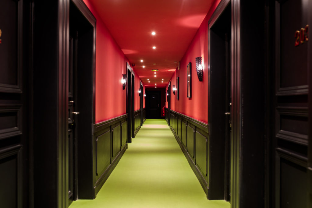 """Hôtel Villa Delisle 4 étoiles - Couloir de l'espace """"Perroquet"""""""