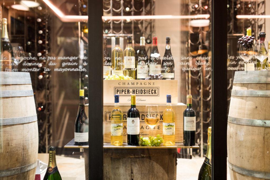 Cave à vin du restaurant bistrot chic de l'hôtel Villa Delisle