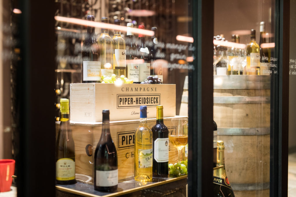 Bouteilles de vin d'un hôtel réunionnais