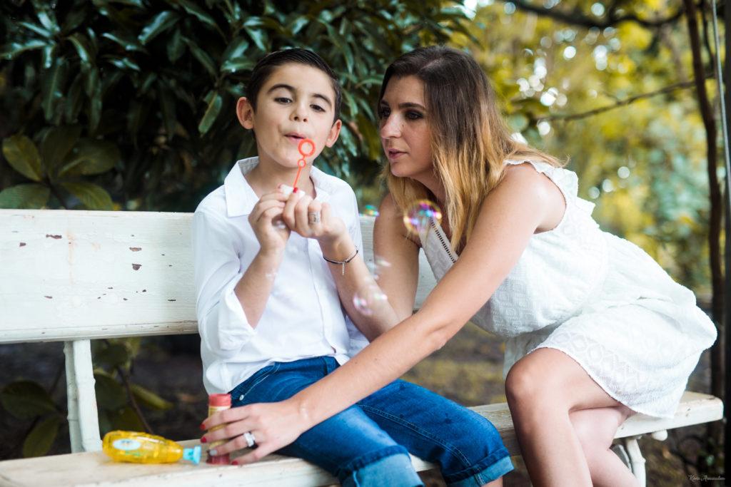 Un shooting photo de famille entre mère et fils à la Réunion